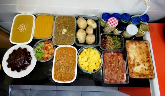 Batch cooking lasaña, pisto de verduras, crema con mango, lentejas con alcachofas, crema de garbazos y bizcocho de piña, entre otros