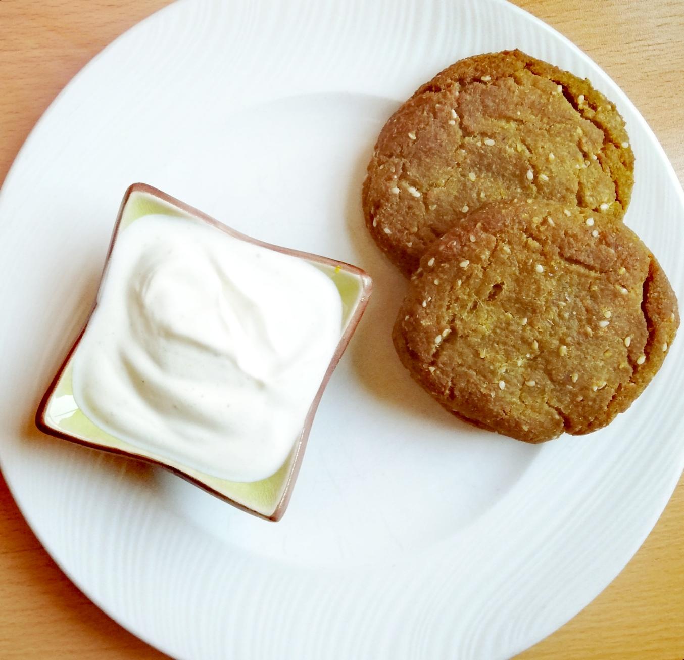 Falafel con salsa de yogur