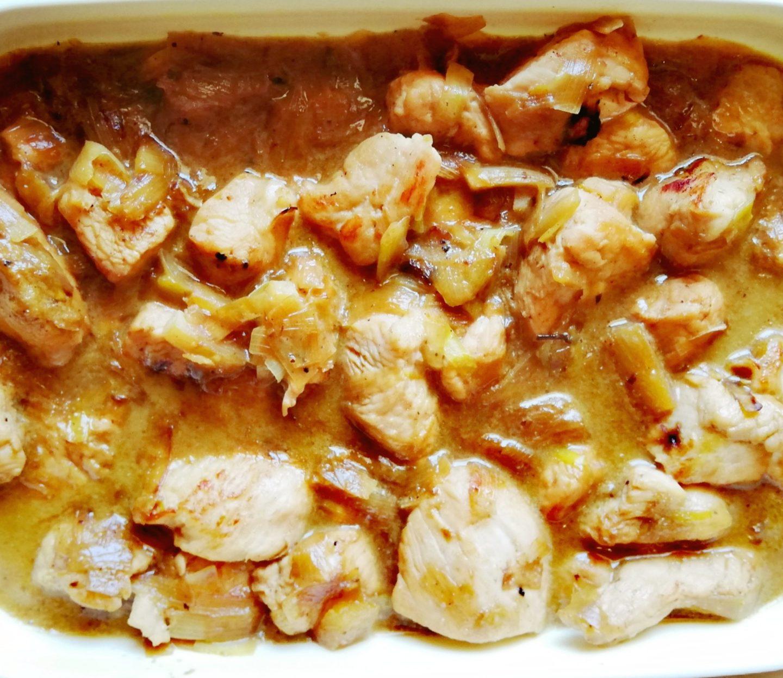 Solomillos de pavo con salsa de coco y piña